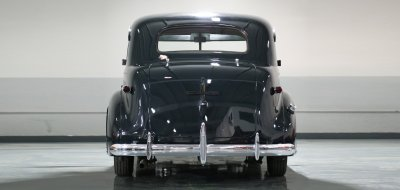 Chevrolet Deluxe 1937 rear view