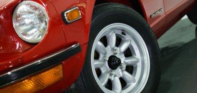 Datsun 240Z front left closeup view