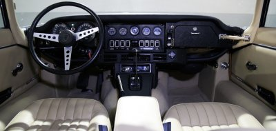 Jaguar E-Type 1972 interior view