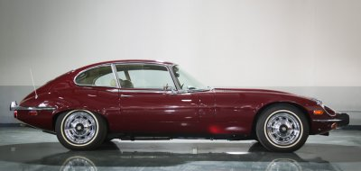 Jaguar E-Type 1972 side view