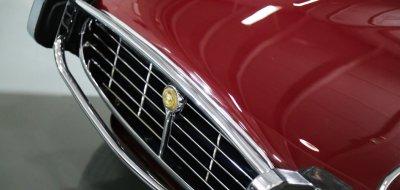 Jaguar E-Type 1972 front closeup view