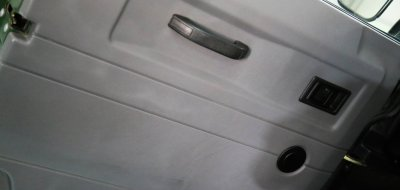 Land Rover Defender 1997 door (from the inside)