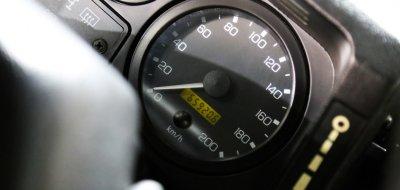 Land Rover Defender 1997 speedometer