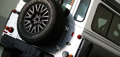 Land Rover Defender 2006 KAHN edition rear