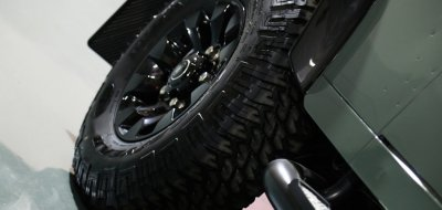 Land Rover Defender Black Series 2016 wheel closeup view