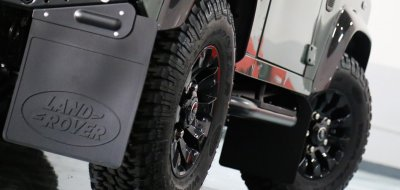 Land Rover Defender Black Series 2016 side closeup view - wheels