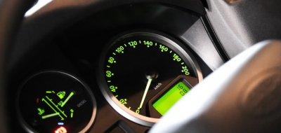 Land Rover Defender single cab 2016 gauges