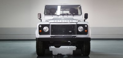 Land Rover Defender single cab 2016 front view