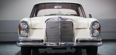 Mercedes Benz 220SE 1961 front view