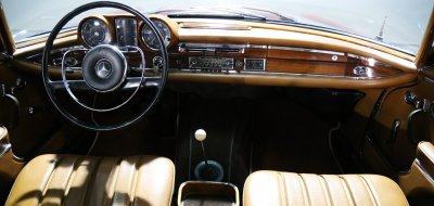 Interior image of the Mercedes Benz 220SE 1964
