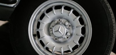 Wheels of the Mercedes Benz 450 SEL 6.9 1976