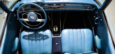 Mercedes Benz SL230 1965 interior
