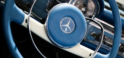Mercedes Benz SL230 1965 steering wheel