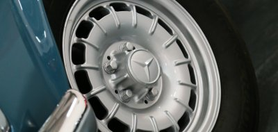 Mercedes Benz SL230 1965 wheel