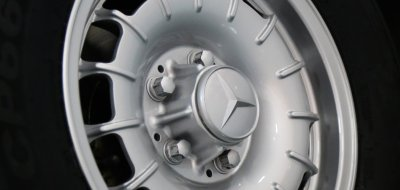 Mercedes Benz SL280 1969 wheel