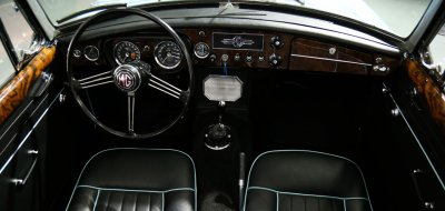 MG B 1963 interior