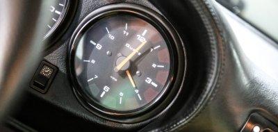 Porsche 993 1998 clock