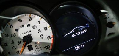 Porsche GT3 RS 2016 speedometer