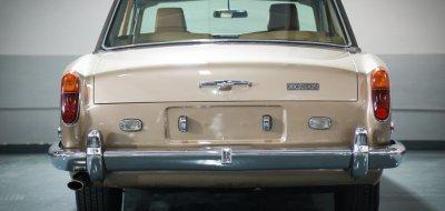 Rolls Royce Corniche 1973 rear view