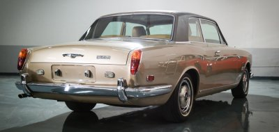 Rolls Royce Corniche 1973 rear right view