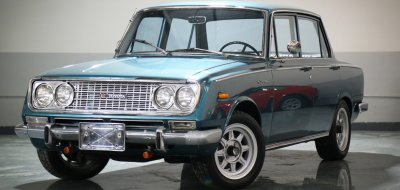 Toyota Corona front left view