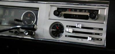 Toyota Corona radio, clock and AC controls