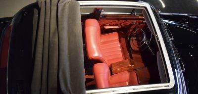 سقف قماشي قابل للطي لسيارة مرسيدس بنز ١٩٠ موديل عام ١٩٦٠