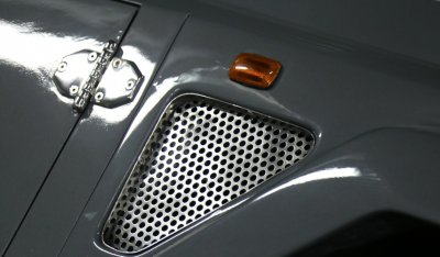 Side closeup view of Lamborghini LM002 1988