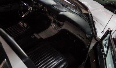 Ford Thunderbird 1962 interior