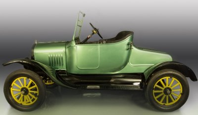 Ford Model T 1923 side view - driver's side