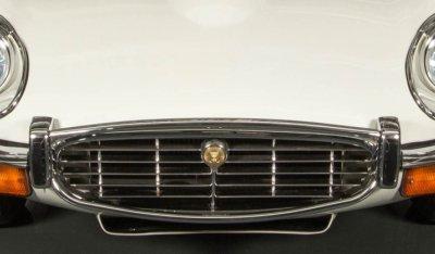 Jaguar E-Type 1971 front closeup view