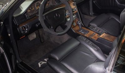 Interior of the Mercedes Benz 3,4 AMG CE300 1991