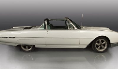 Ford Thunderbird 1962 side view - passenger's side