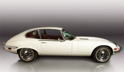 Jaguar E-Type 1971 side view - passenger's side