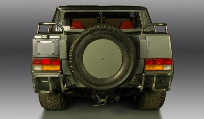 Lamborghini LM002 1988 rear view