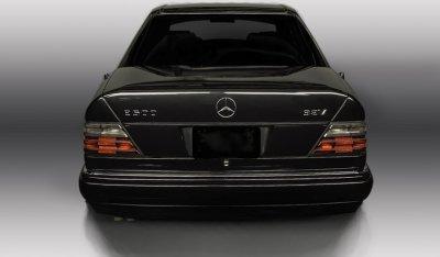 Mercedes Benz E500 1994 rear view
