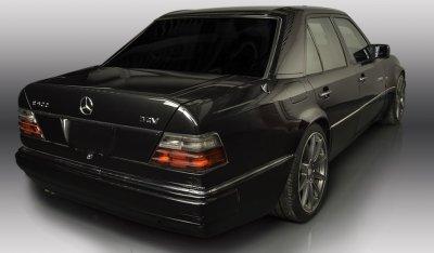 Mercedes Benz E500 1994 rear right view